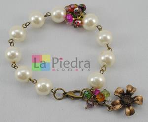 Pulsera con perlas engarzadas