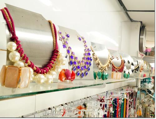 Como exhibir joyeria exhibir los accesorios correctamente - Como hacer bisuteria en casa para vender ...